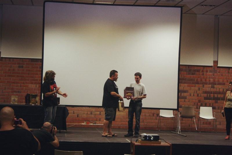 Anna Castillo Premio Mejor Interpretacion en Fango Fest por El espejo humano de Marc Nadal