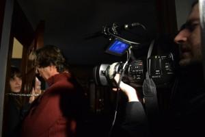 """Àlex Casanovas, Núria Molina y Marc Nadal en el rodaje del cortometraje """"Ciudadanos""""."""