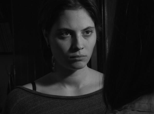 Júlia Ferré Merino en Piel Suave, Ojos violentos de Marc Nadal.